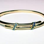 Bracelet or jaune et saphirs