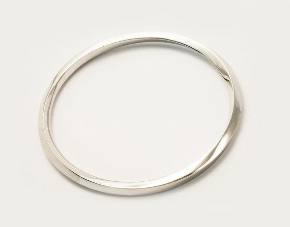Bracelet en argent 95 rhodium plaqué et finition poli miroir