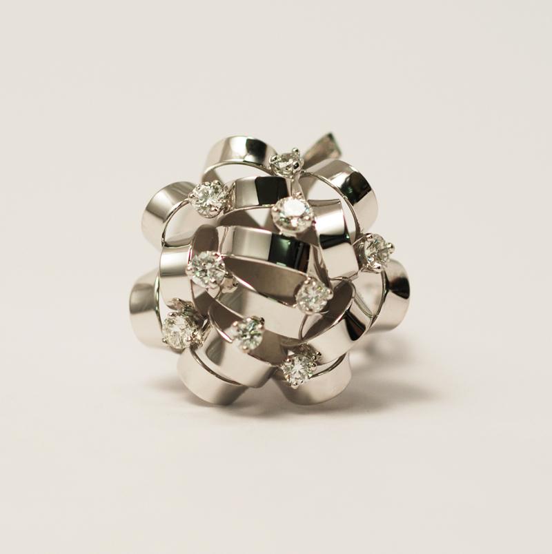 Bague or blanc et diamant petit modèle vue 1